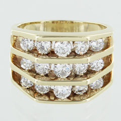 LADIES 14 KT CLUSTER DIAMOND RING SIZE 7