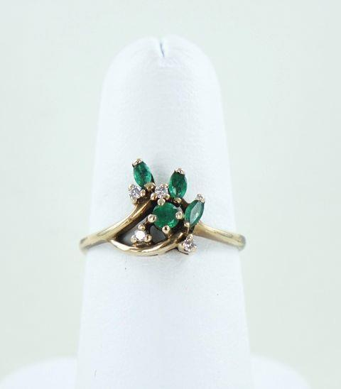 10KT YELLOW GOLD DIAMOND & EMERALD RING .10ATW SIZE-7 014127002
