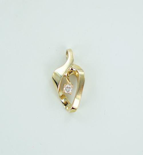 14KT YELLOW GOLD DIAMOND PENDANT .15ATW 016176401