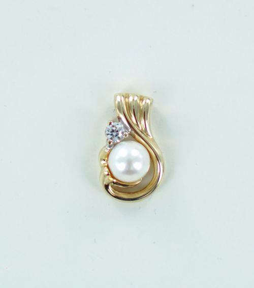 14KT YELLOW GOLD PEARL & WHITE STONE PENDANT 990050652