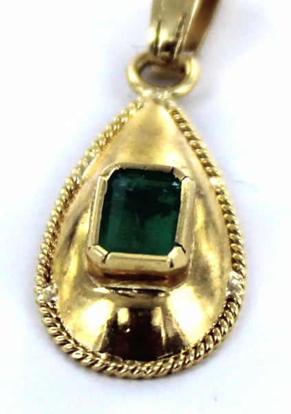 18KT SOLID YELLOW GOLD GREEN EMERALD TEAR DROP PENDANT