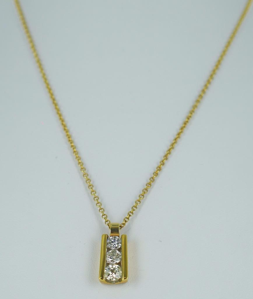 18KT YELLOW GOLD 3 ROUND DIAMONDS PENDANT & NECK CHAIN 014325001