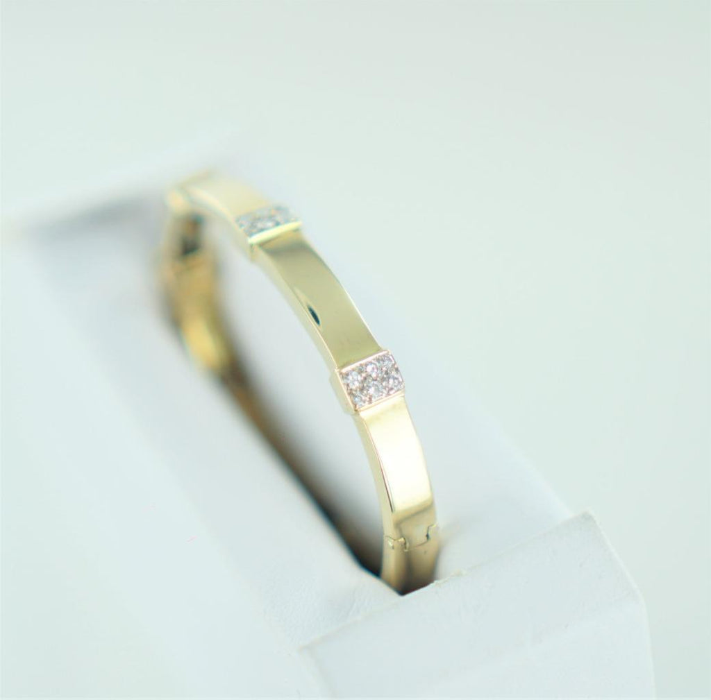 18KT YELLOW GOLD DIAMOND BLOCK DESIGN BANGLE 1.00 ATW