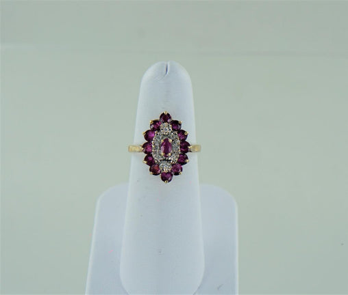 10 KT YELLOW GOLD DIAMOND & RUBY CLUSTER RING .8 ATW SIZE-6.75  014422201