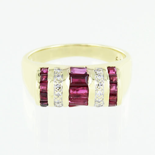 LADIES 14 KT RUBY & DIAMOND RING SIZE 5.5