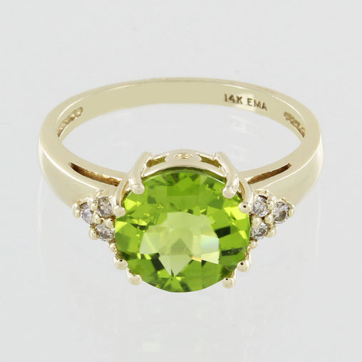 LADIES 14KT GOLD PERIDOT & DIAMOND RING SIZE 6.5