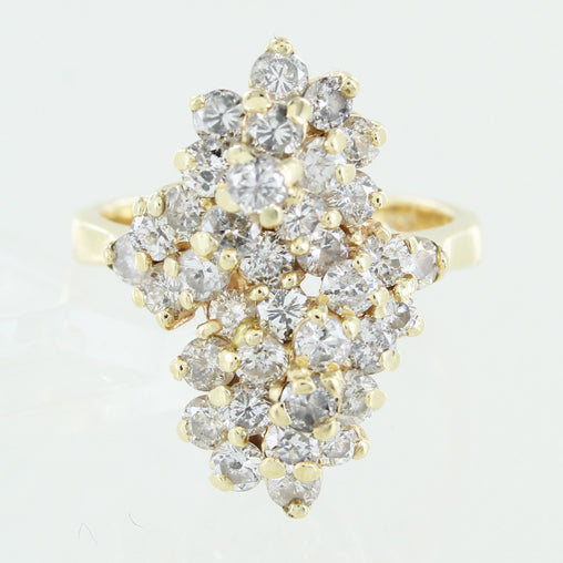 LADIES 14KT CLUSTER DIAMOND RING SIZE 6