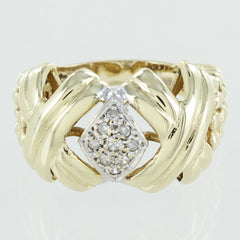 LADIES 14KT GOLD DIAMOND & KISES DESIGN RING SIZE 8