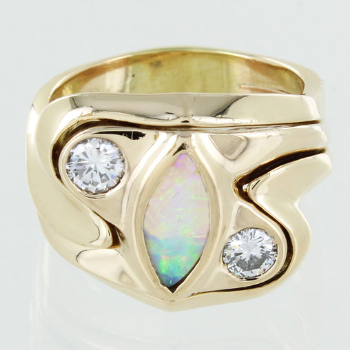 GENTS 18KT GOLD MARQUISE CUT OPAL & DIAMOND RING SIZE 8