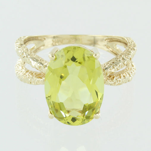 LADIES 10KT PERIDOT RING SIZE 9