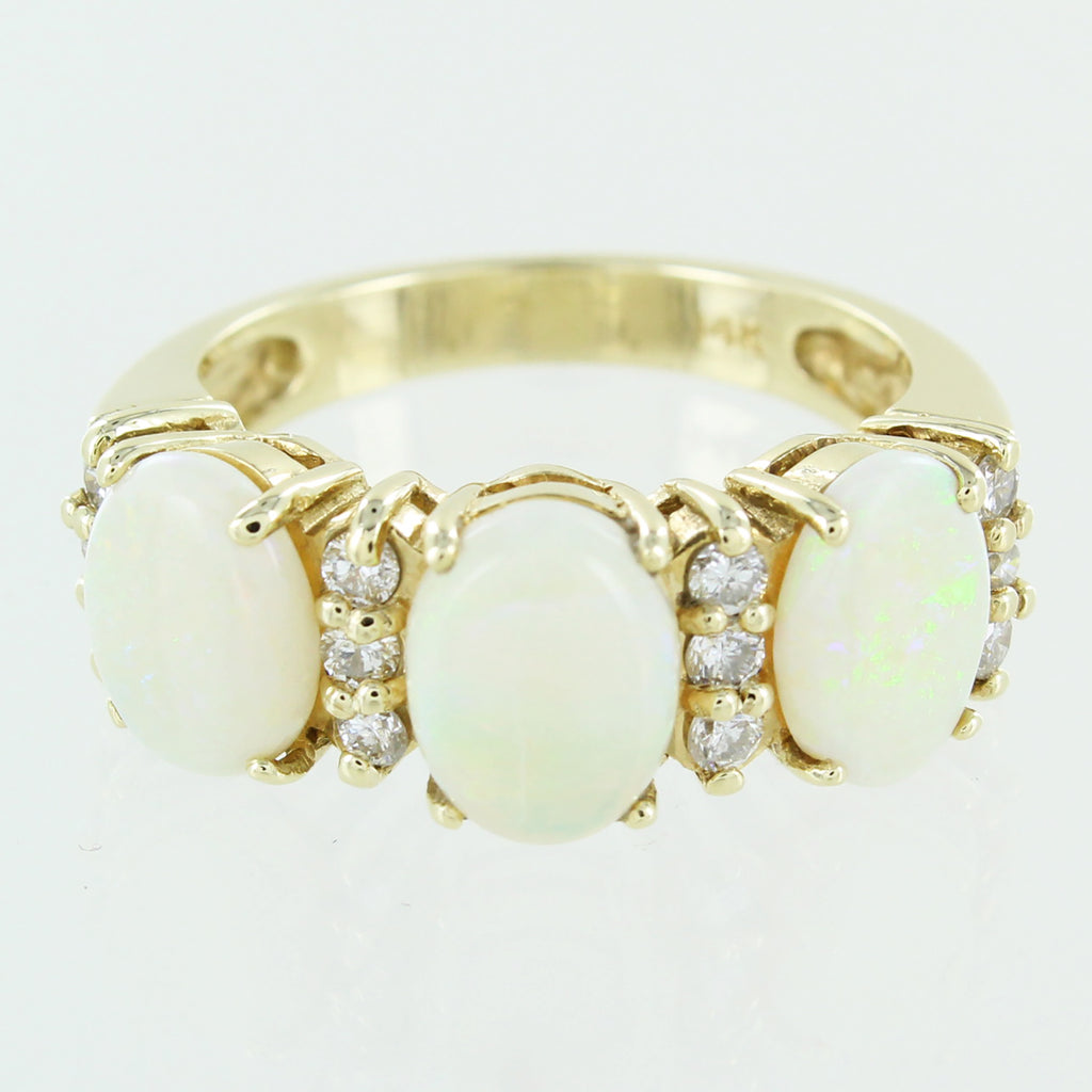 LADIES 14KT GOLD OPAL & DIAMOND RING SIZE 9