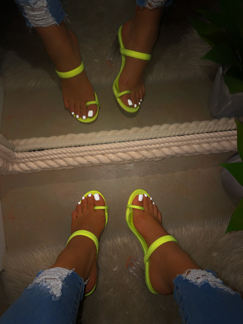 Tia Toe Loop Heels - Lime