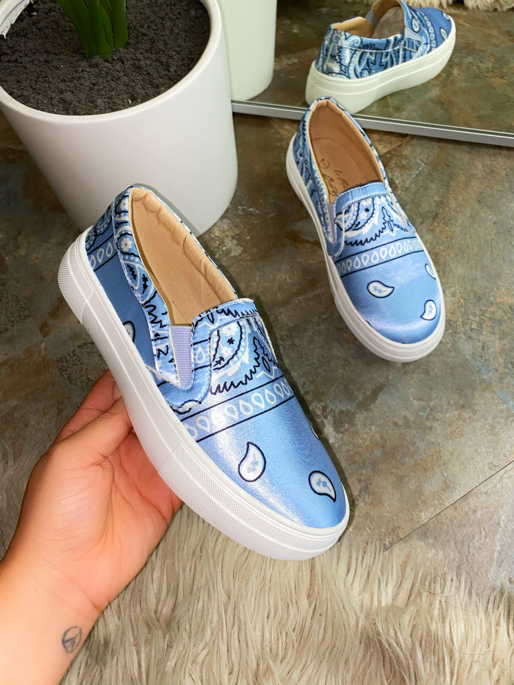 Carter Sneakers - Baby Blue EXCLUSIVE