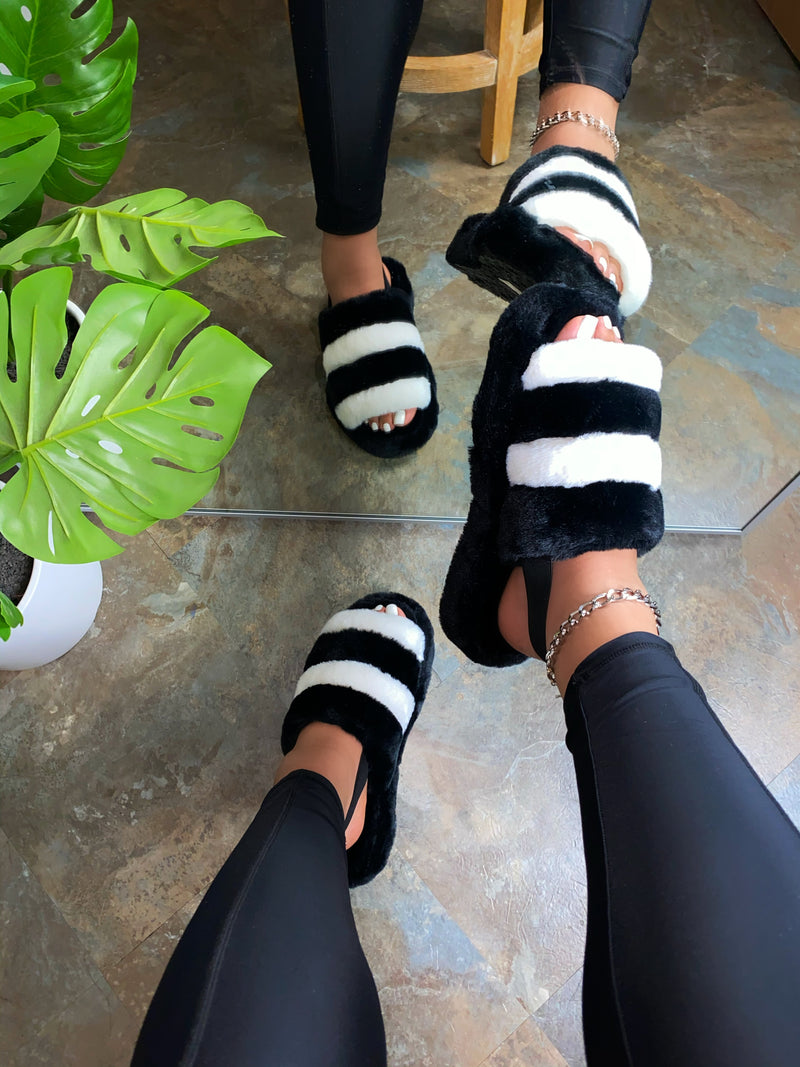 Trinity Slippers - Black/White