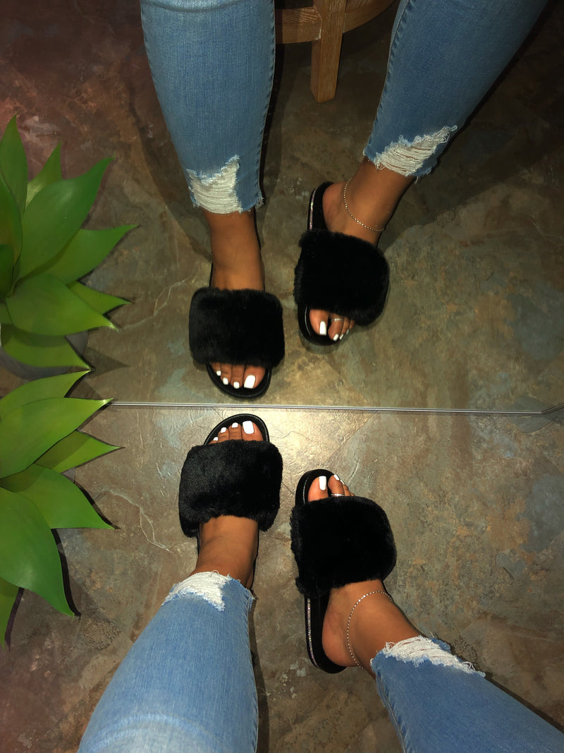 Daisy Fur Slides - Black