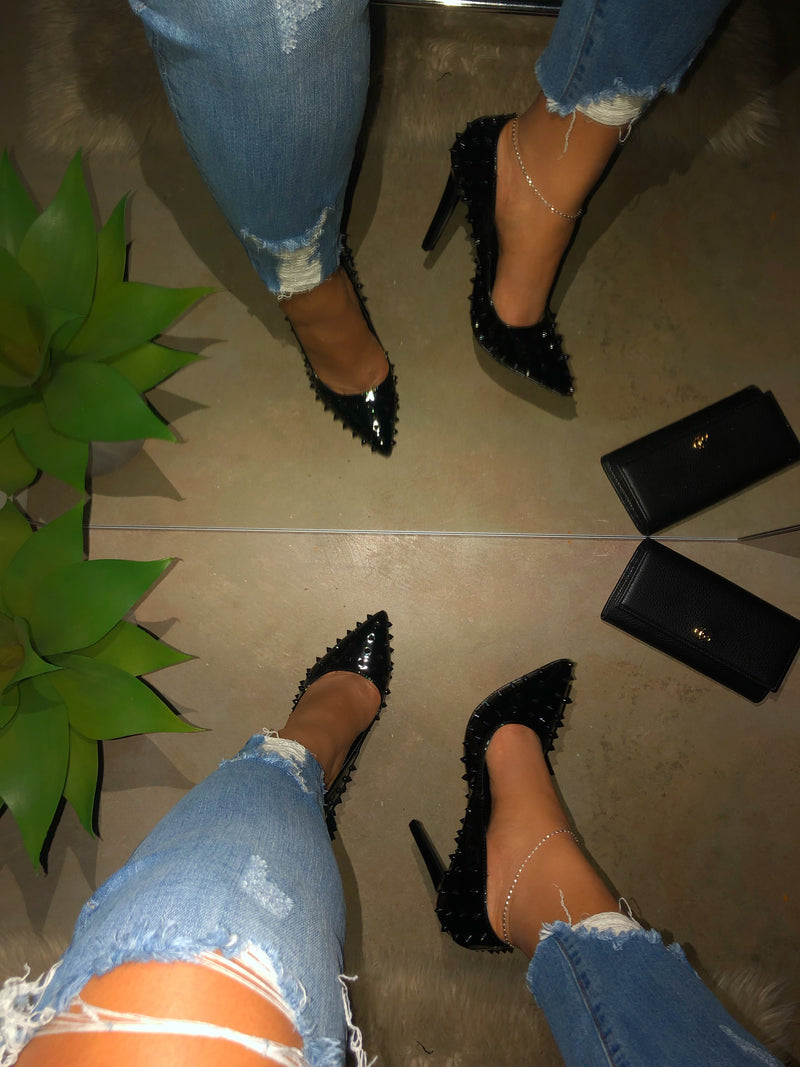 Khloe Spikes Pumps - Black