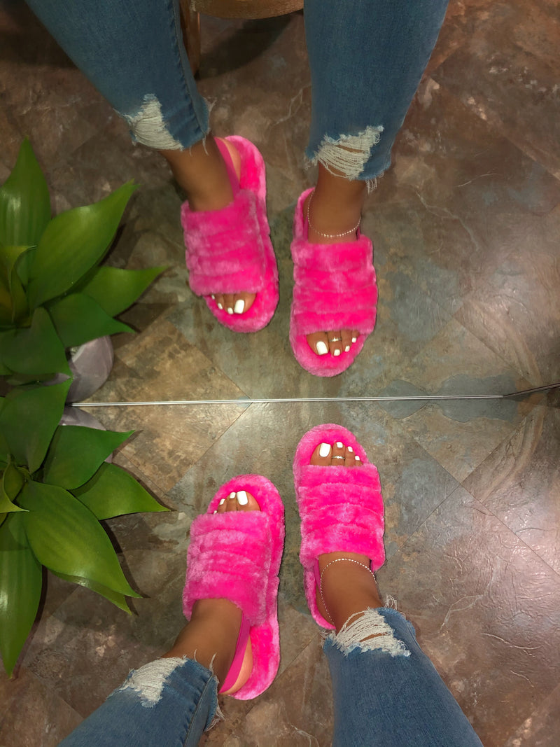 Umar Slippers - Hot Pink