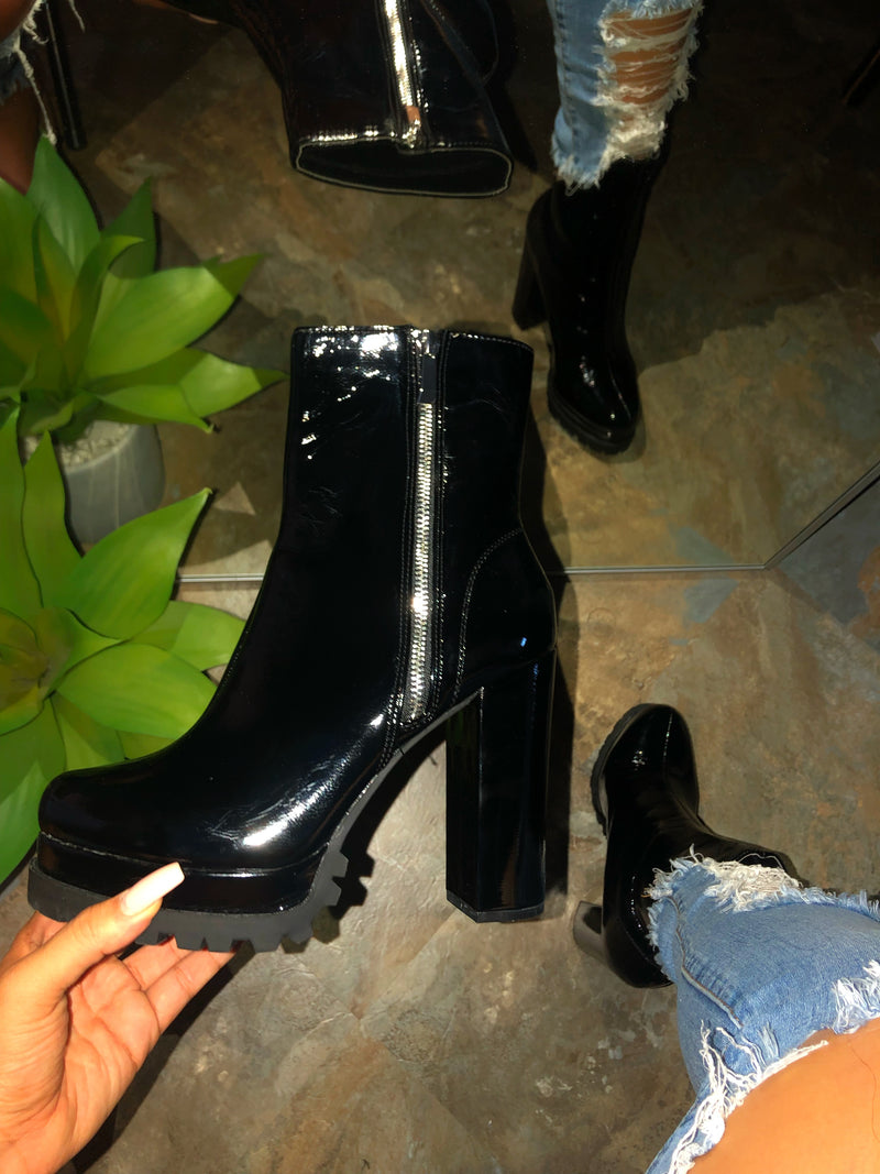 Freya Side Zipper Booties