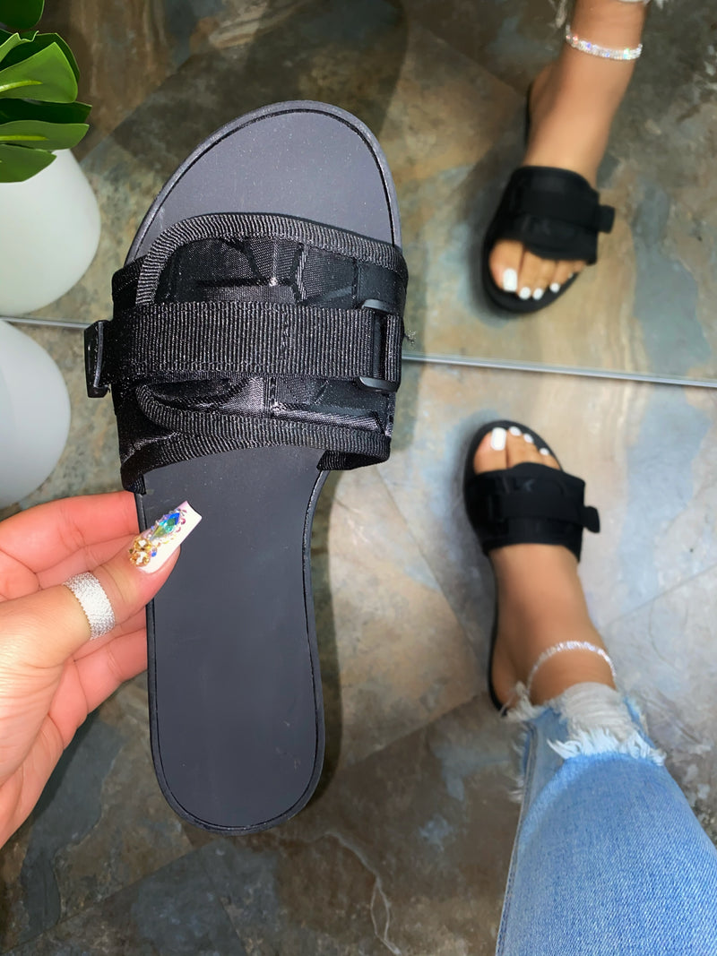 Nash Slides -Black