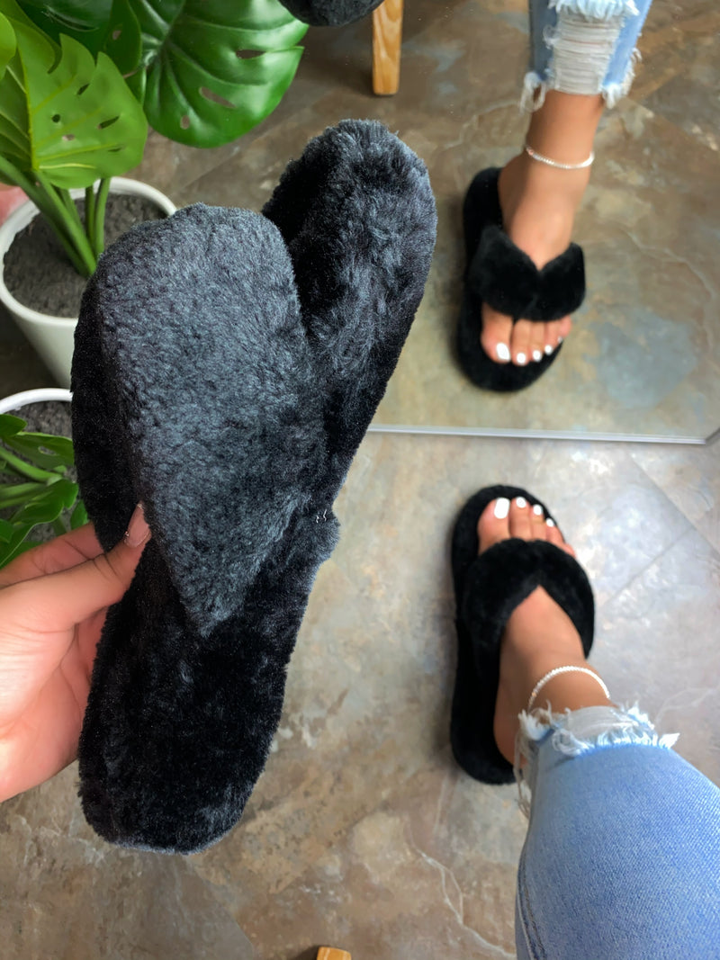 Molly Thong Slippers-Black