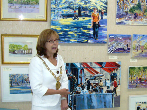 Lord Mayor Emer Costello opening Dublin exhibition. 2009 - Green Gallery