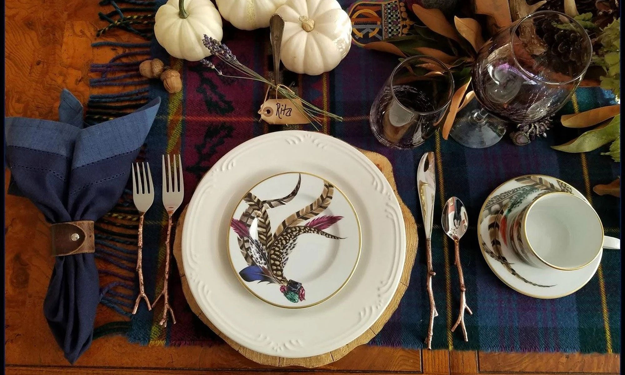 Elegant Table Settings For A Fancy Halloween Party Made Terra