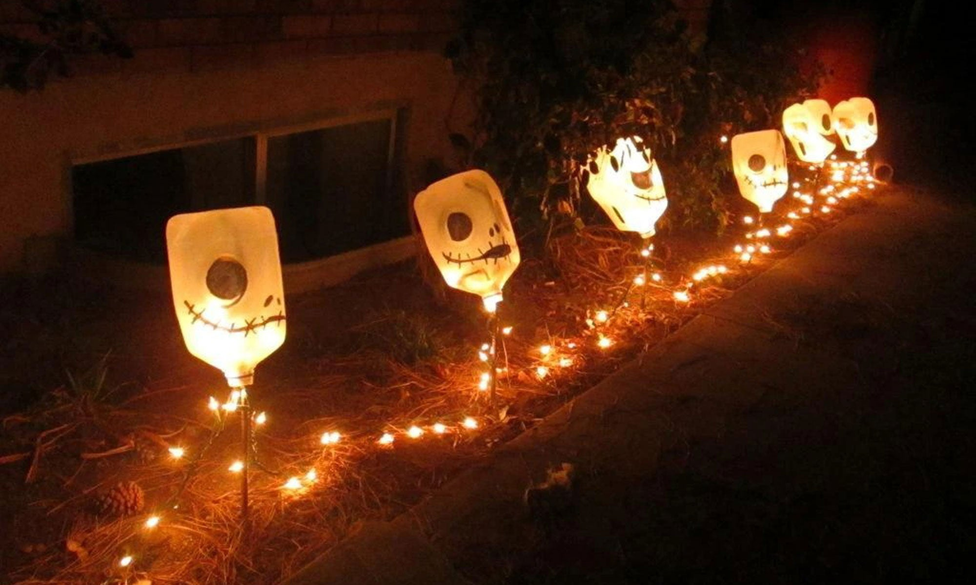 cheap-green-recycle-halloween-decor