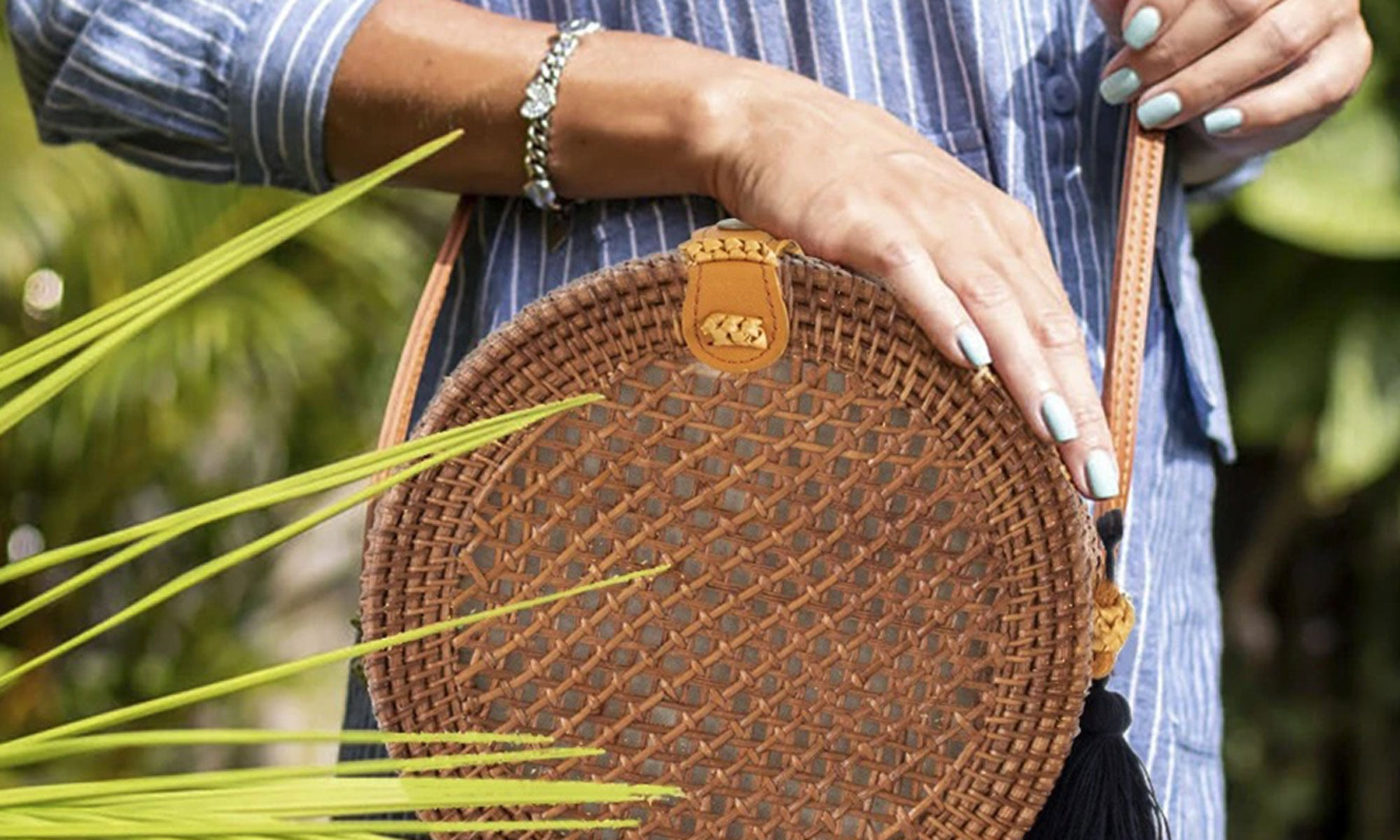 is-straw-bag-out-of-trend