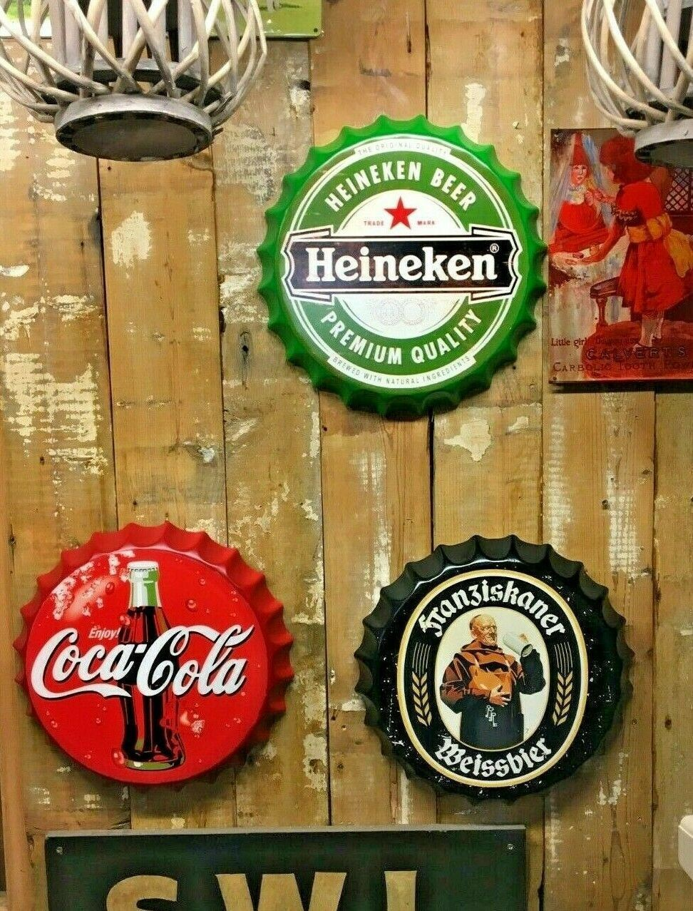 COCA COLA BOTTLE CAP / WALL HANGING / AMERICANA / MAN CAVE / BAR / DECORATION (NEW) - Browsers Emporium