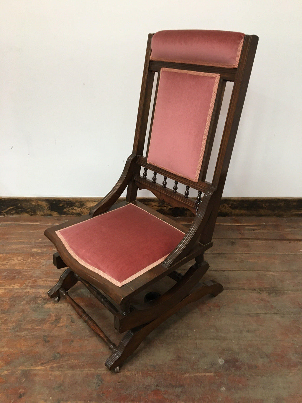 ANTIQUE ROCKING CHAIR - Browsers Emporium