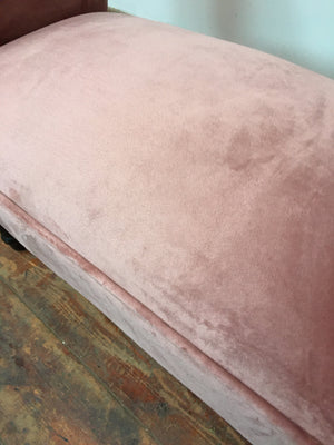 PINK VELVET CHAISE LOUNGE STYLE FOOT STOOL (NEW)