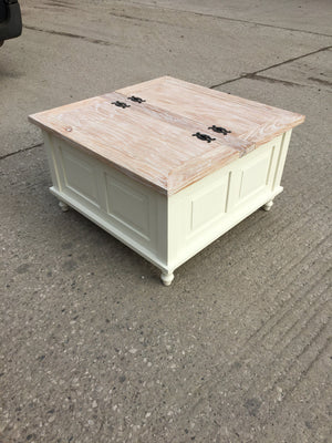 WHITE COFFEE TABLE WITH WHITE WASHED TABLE TOP /  2 LID (NEW)