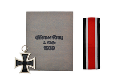 The iron cross 2nd class, including issue ribbon and envelope.