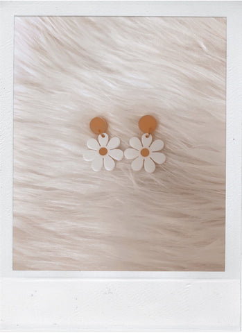 Baby Daisy Hanging Stud Earrings