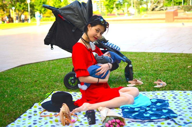 Baby's first Picnic at Hyde Park and 2 tips on having the happiest baby