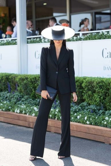 What to wear to the race Melbourne cup Black suit