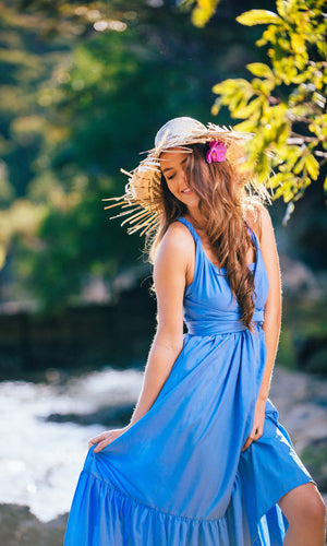 ARIEL INFINITY FLOWY MAXI DRESS IN SKY BLUE