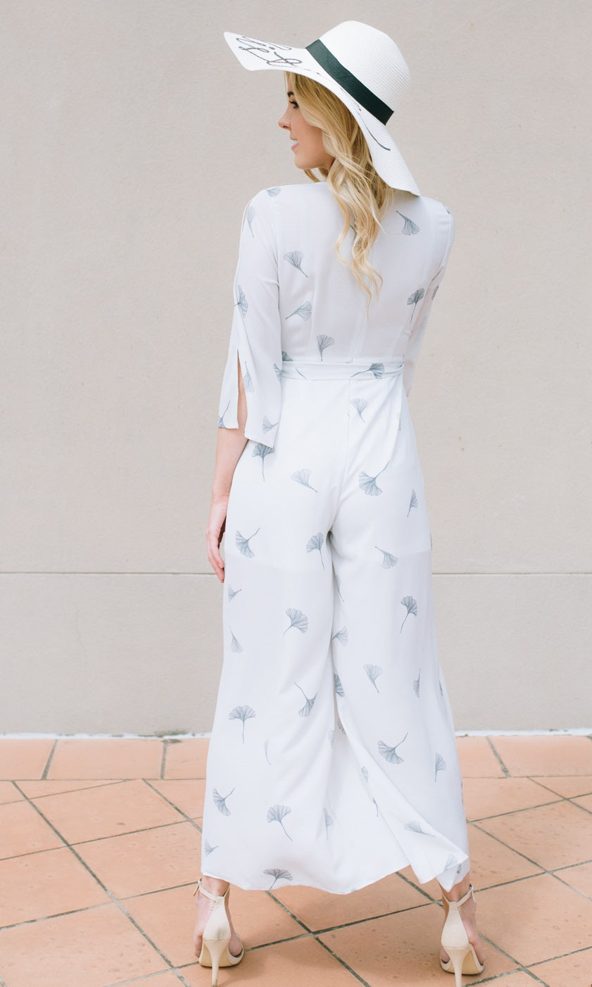 ANNA SPLIT LEG LONG JUMPSUIT IN WHITE FLORAL
