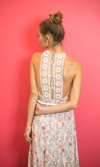 LILLA MAXI FLOWY BACKLESS DRESS IN FLORAL