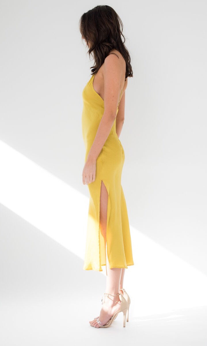 HELIOS SILKY FLOWY MIDI DRESS IN YELLOW