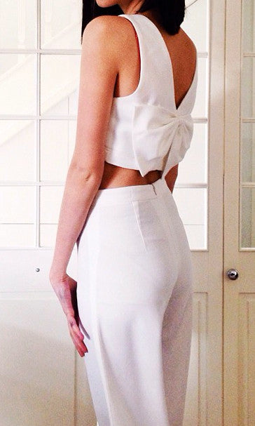 WHITE BACK BOW CROP TOP