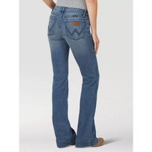 Load image into Gallery viewer, Wrangler Retro Mae Wide Leg Trouser