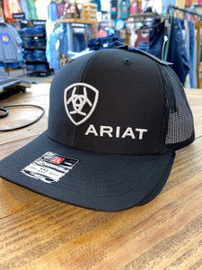 ARIAT BLACK AND WHITE BALL CAP