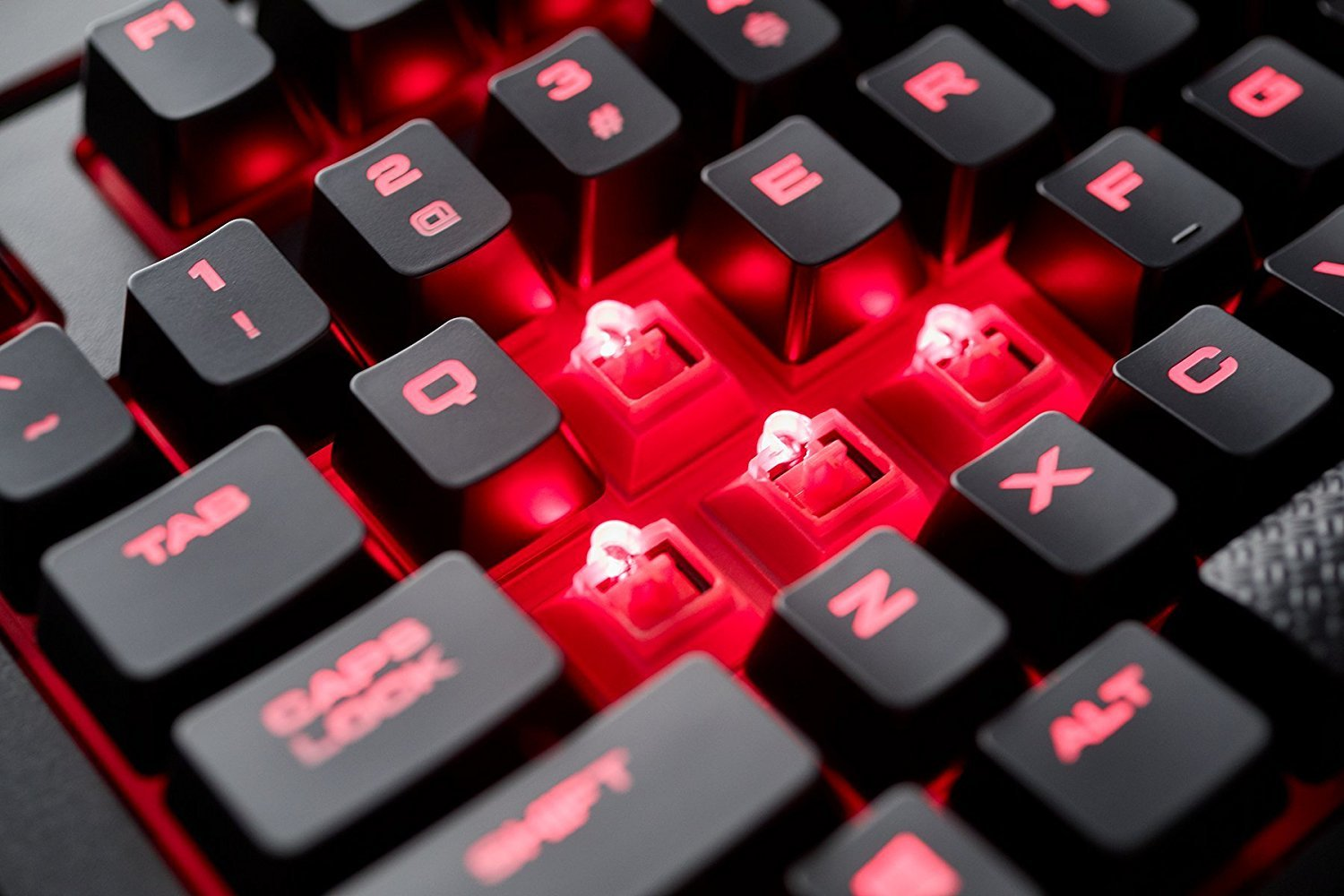 Corsair K68 Mechanical Gaming Keyboard (Cherry MX Red) - PC Games