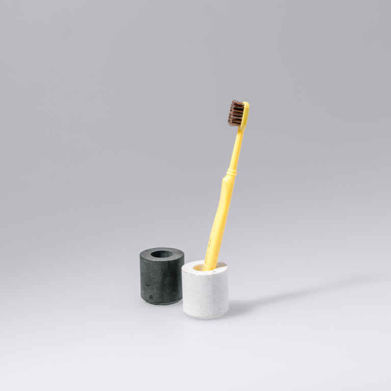 OUUR | Tooth Brush Stand (Black)