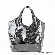 Load image into Gallery viewer, Camouflaged KP | WAKUWAKU | TOTEBAG | ILEMER