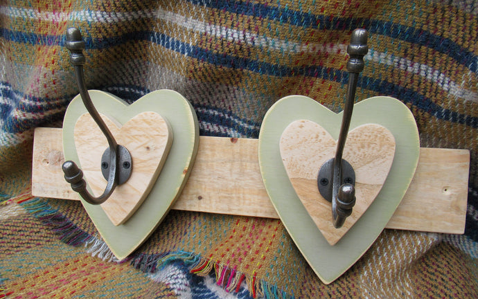 Double Heart Hook - Olive