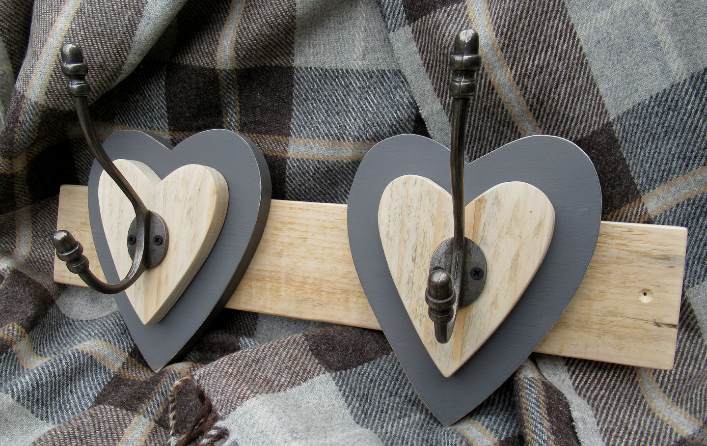 Double Heart Hook - Dark Grey