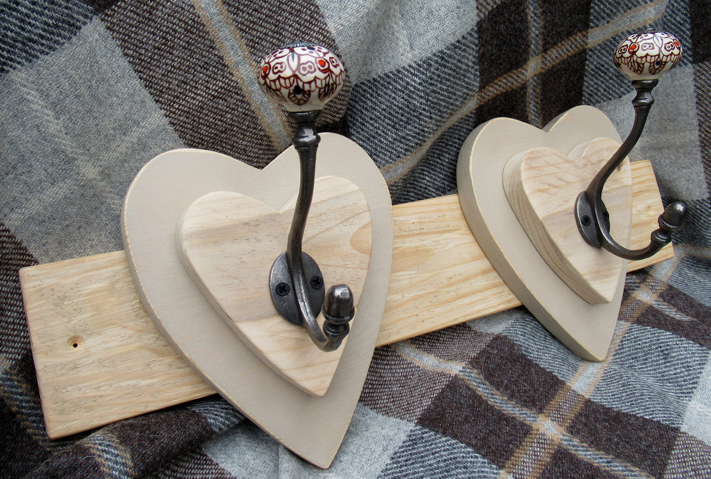 Double Heart Hook - Neutral