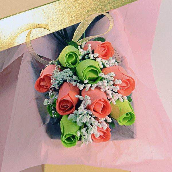 Coral & Green Bouquet | Jewelry Roses® Bouquet-Scented Green and Coral Bouquet Wax Roses-The Official Website of Jewelry Candles - Find Jewelry In Candles!